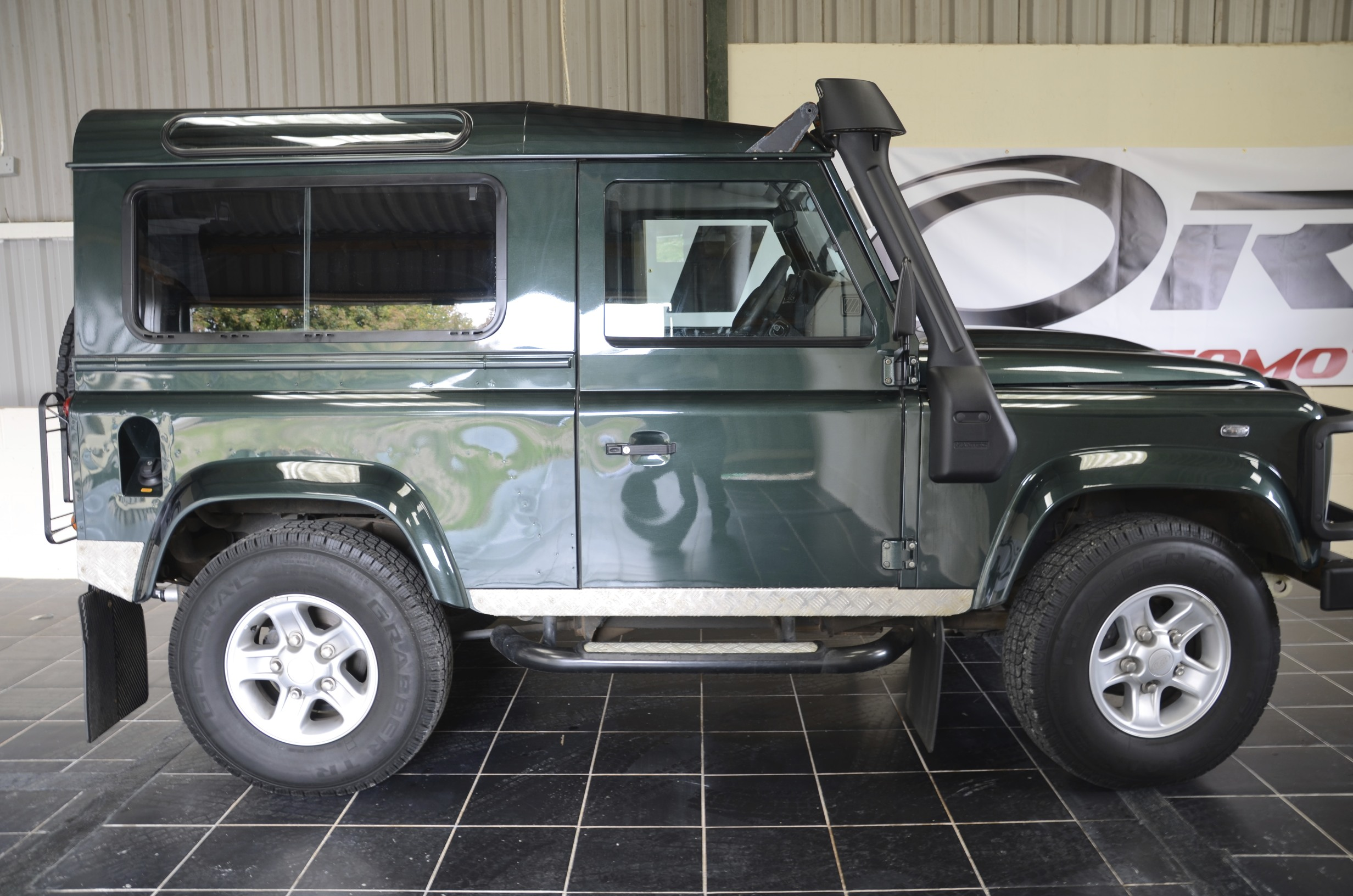 Land Rover Defender Xs 90 Station Wagon Tdci 2 4