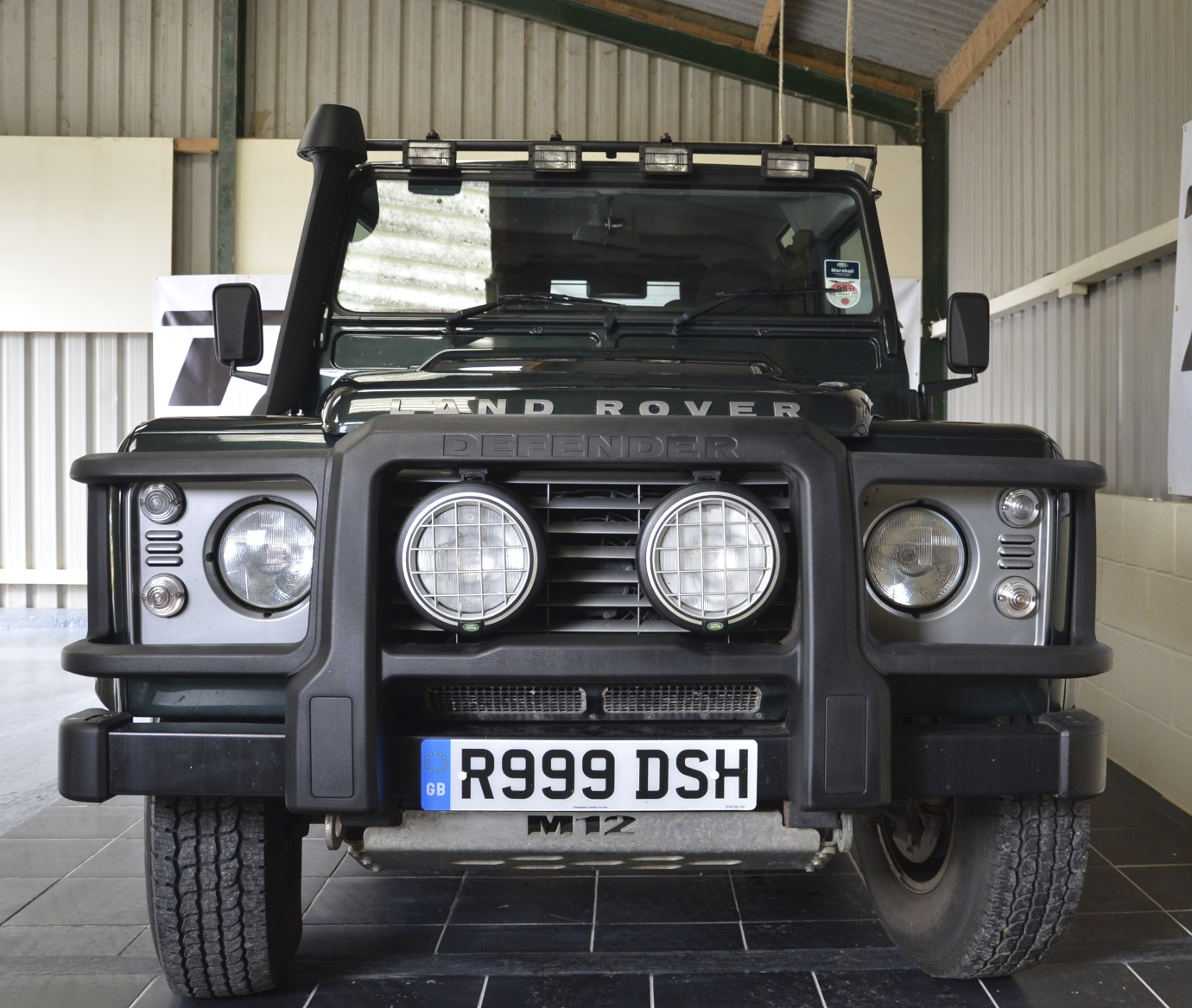 LAND ROVER DEFENDER XS 90 STATION WAGON TDCI 24